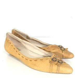 Seychelles Hold Your Fire Tan Leather Flats